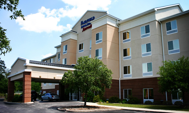 TarWheel Fairfield Inn & Suites