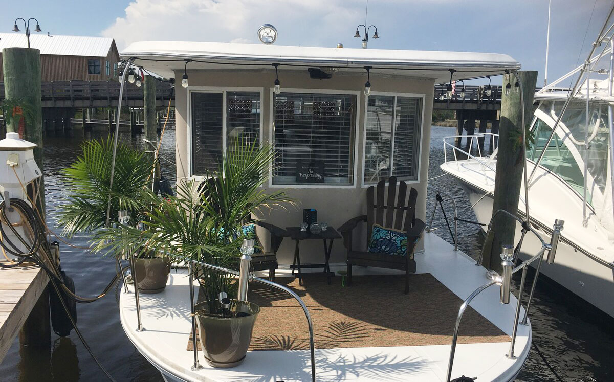 cute houseboat vacation rental in elizabeth city north carolina